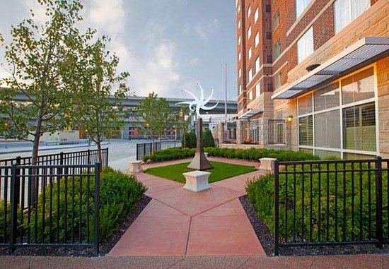 Residence Inn Pittsburgh North Shore: Park Setting