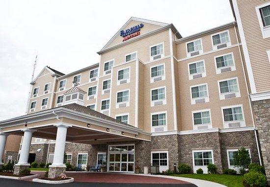Fairfield Inn & Suites New Bedford: Entrance