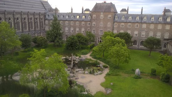 Maynooth Campus Conference & Accommodation: the Bicentenary Garden
