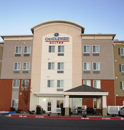 Candlewood Suites Lawton Fort Sill: Hotel Exterior