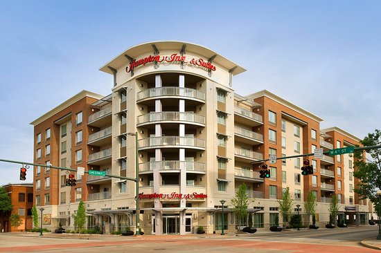 Hampton Inn & Suites Chattanooga / Downtown: Hotel Exterior