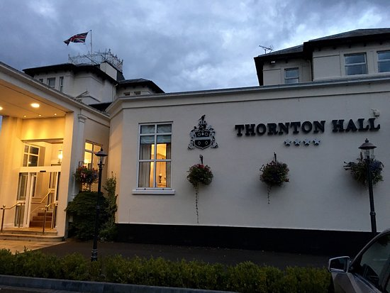 Changing facilities in the spa and pool area picture of thornton hall hotel spa thornton for Wirral hotels with swimming pools