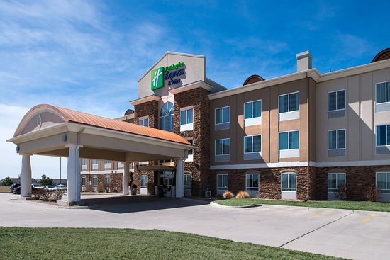Holiday Inn Express Hotel & Suites Wichita Northwest Maize K-96: Hotel Exterior