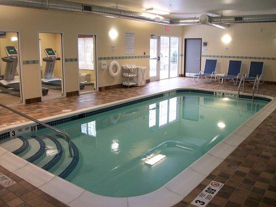 Holiday Inn Express Cortland: Heated Indoor Swimming Pool