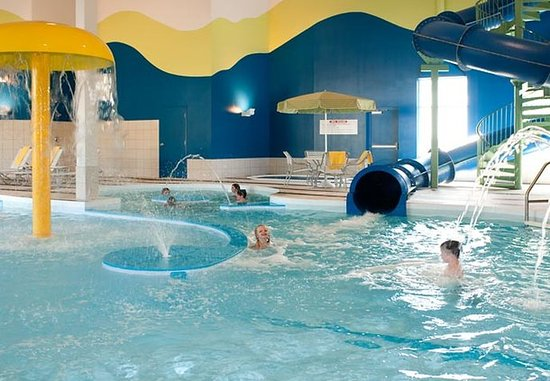 Fairfield Inn & Suites Winnipeg: Waterslide