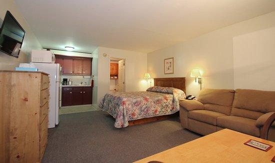 Canaan, ME: Guest Room