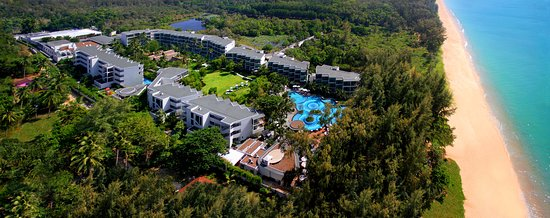 Holiday Inn Phuket Mai Khao Beach Resort: Hotel Exterior