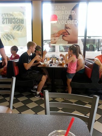 Hardee's: 2nd table finally eating.