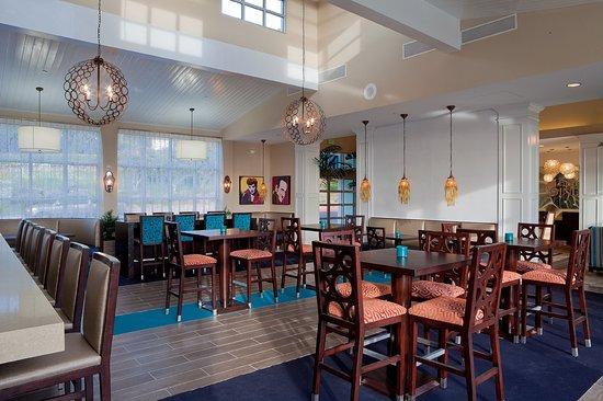 เดลมาร์, แคลิฟอร์เนีย: Great Bar, Good Local Food: Ocean View Bar & Grill