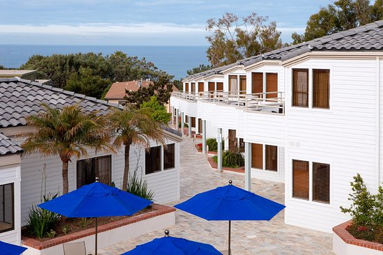 Del Mar, CA: Catch an ocean view from one of our many ocean view guest rooms