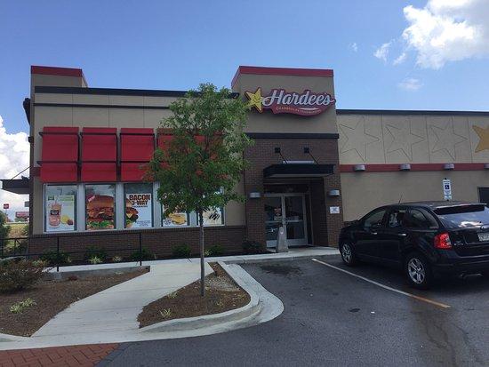 Oakwood, GA: Entrance