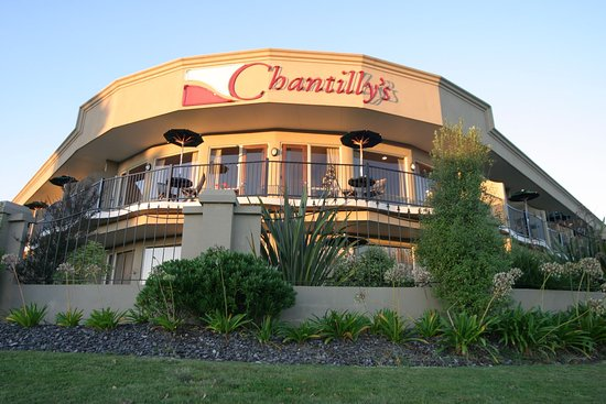Chantilly's Lake Taupo: Chantillys Front Corner