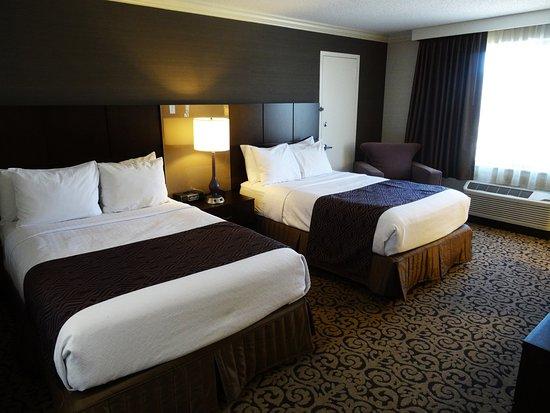 丹伯里皇冠假日酒店照片