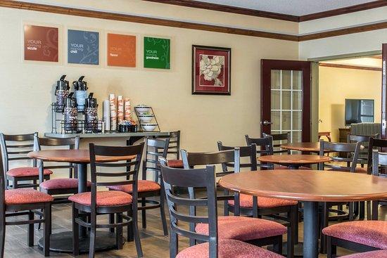 Mifflinville, PA: Breakfast Area