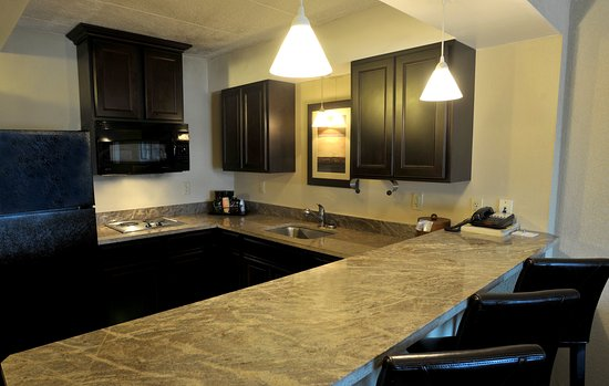 Charleston, Virginia Occidentale: Suites have full kitchens available for guest use