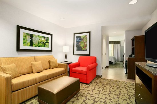 Auburn, NY: Suite