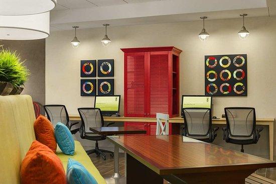 Home2 Suites by Hilton Nashville Vanderbilt: Business Center