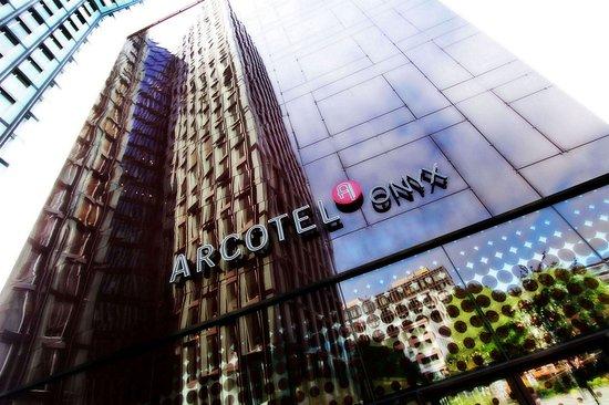 ARCOTEL Onyx exterior view