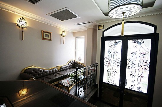 Aristocrat Hotel - Hall-Reception