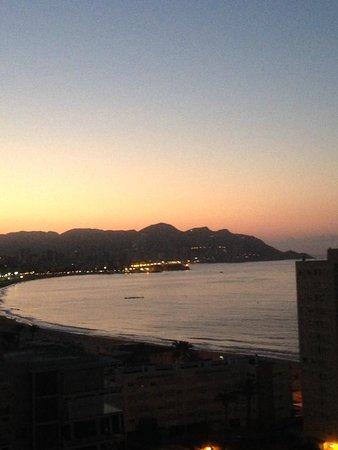 Apartamentos El Faro: Sunrise