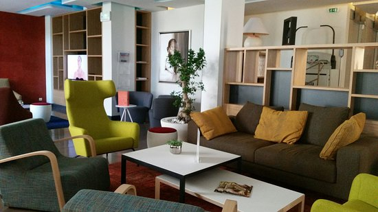 Holiday Inn Cannes : Guest Lounge