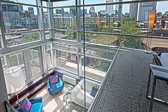 Hotel 10: Penthouse Mezzanine
