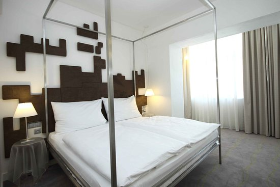 Pure White: Superior Design room