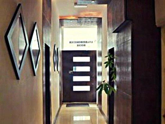 Knaresborough Place Short Stay Apartments: Entrance/lobby