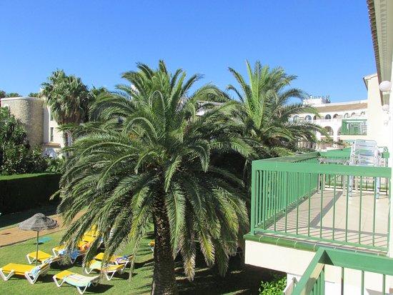 Hotel Pino Alto : Вид с балкона номера 273 на внутренний двор отеля