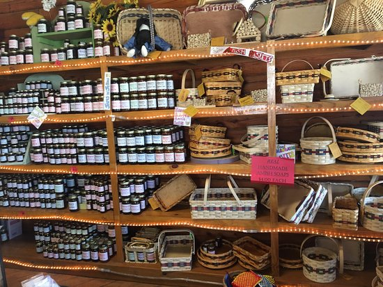 Monteagle, Τενεσί: Amish baskets and a variety of jams/jellys