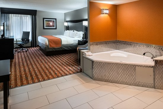nashville hotels with jacuzzi in room images
