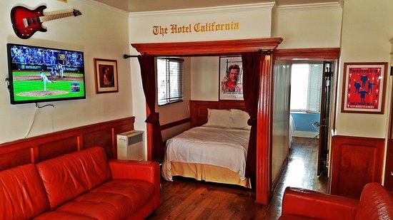 The Hotel California: Alcove
