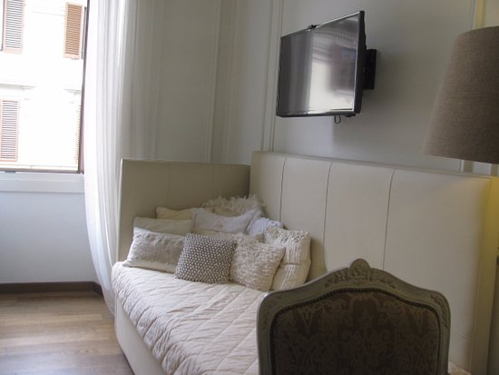 B&B La Dimora degli Angeli: elegant room, lovely furnishings