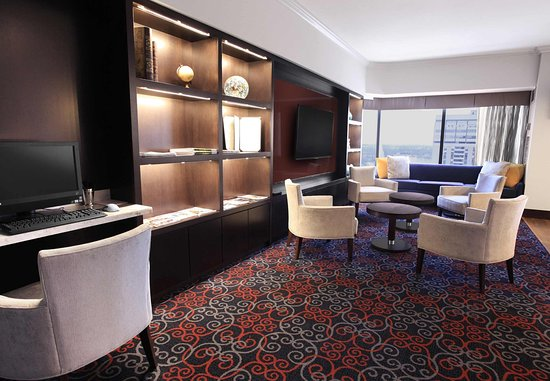 Delta London Armouries Hotel: Signature Club Lounge