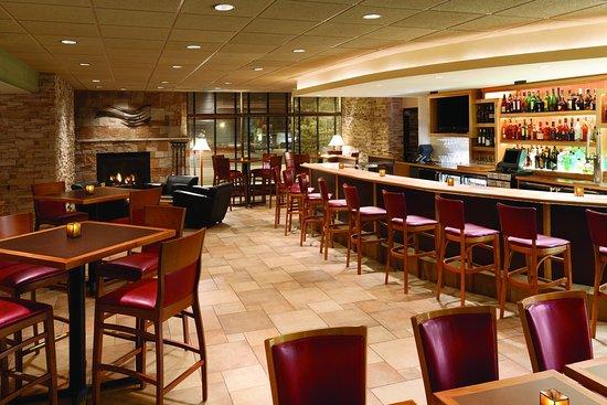 راديسون هوتل لاكروس: Restaurant