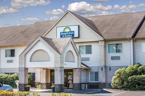 Days Inn & Suites Vancouver: Exterior