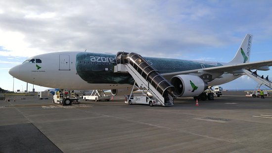 Unsere Propellermaschine Picture Of Sata Azores Airlines