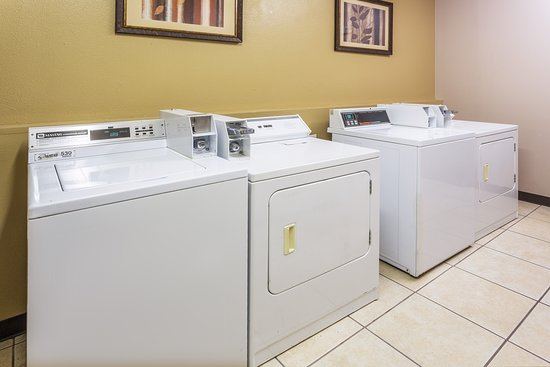 Days Inn & Suites Vancouver: Guest Laundry