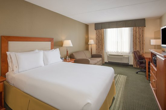 Holiday Inn Express Exton - Lionville: Queen Guest Room with sleeper sofa