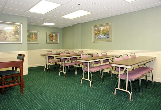 Staunton, VA: Conference Room