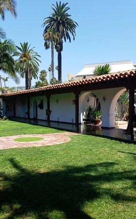 San Clemente, CA: Central garden