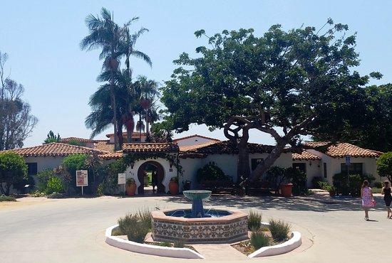 San Clemente, CA: Entrance to Casa Romantica