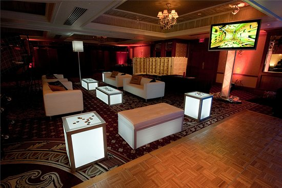 Livingston, Nueva Jersey: Bar Mitzvah Lounge
