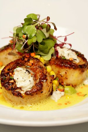 Livingston, Nueva Jersey: Strip House Scallops With Edamame Succotash