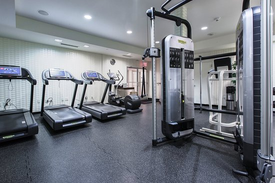 Livingston, Νιού Τζέρσεϊ: Fitness Center TECHNOGYM at Westminster Hotel Livi