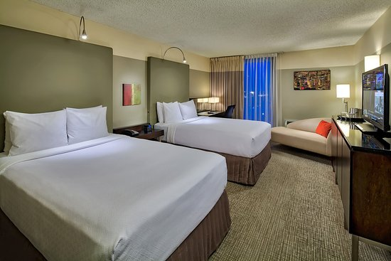 Crowne Plaza Chicago - The Metro: Guest Room