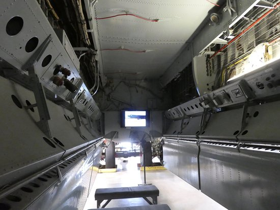 Australian Aviation Heritage Centre : Inside the bombing bay of the B52