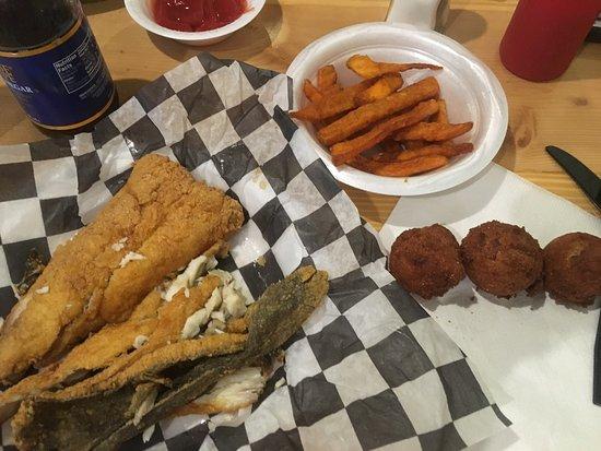 Fish Hook Grill-billede