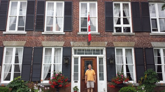 Chesley's Inn : Robert the welcoming host