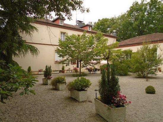 Vacquiers, Fransa: jardim